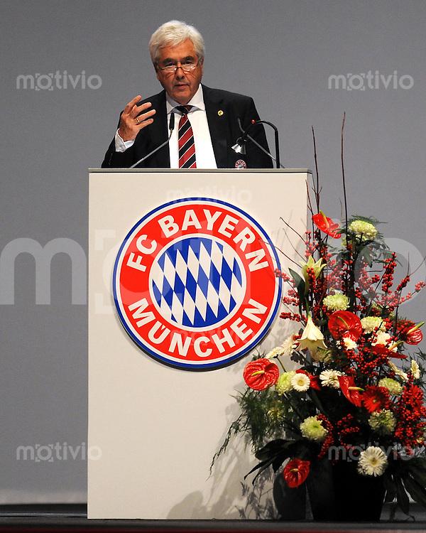Fussball 1. Bundesliga :  Saison   2010/2011   30.11.2010 JHV , Jahreshauptversammlung beim FC Bayern Muenchen  Prof. Dr. Fritz Schererer (FC Bayern Muenchen)