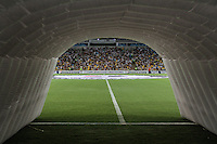 RIO DE JANEIRO, RJ, 05.02.2014 - Torcedores do Botafogo já estão nas arquibancadas esperando o jogo desta noite pela Libertadores entre Botafogo e Deportivo Quito no Estádio Mário Filho, o Maracanã. (Foto. Néstor J. Beremblum / Brazil Photo Press)