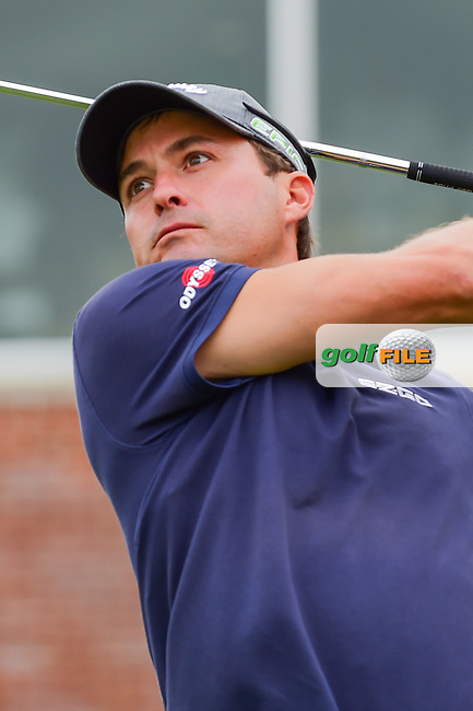 Kevin Kisner (USA) watches his tee shot on 17 during round 4 of the Dean &amp; Deluca Invitational, at The Colonial, Ft. Worth, Texas, USA. 5/28/2017.<br /> Picture: Golffile | Ken Murray<br /> <br /> <br /> All photo usage must carry mandatory copyright credit (&copy; Golffile | Ken Murray)