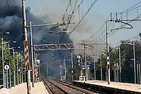 Roma 8 Agosto 2012.Incendio alla stazione ferroviaria di via Val d'Ala si è sviluppato lungo tutta la linea a servizio del quartiere Monte Sacro e al Parco delle Valli che si trova all'interno della Valle dell'Aniene in zona Conca d'Oro. La stazione ferroviaria di via Val d'Ala avvolta dal fumo