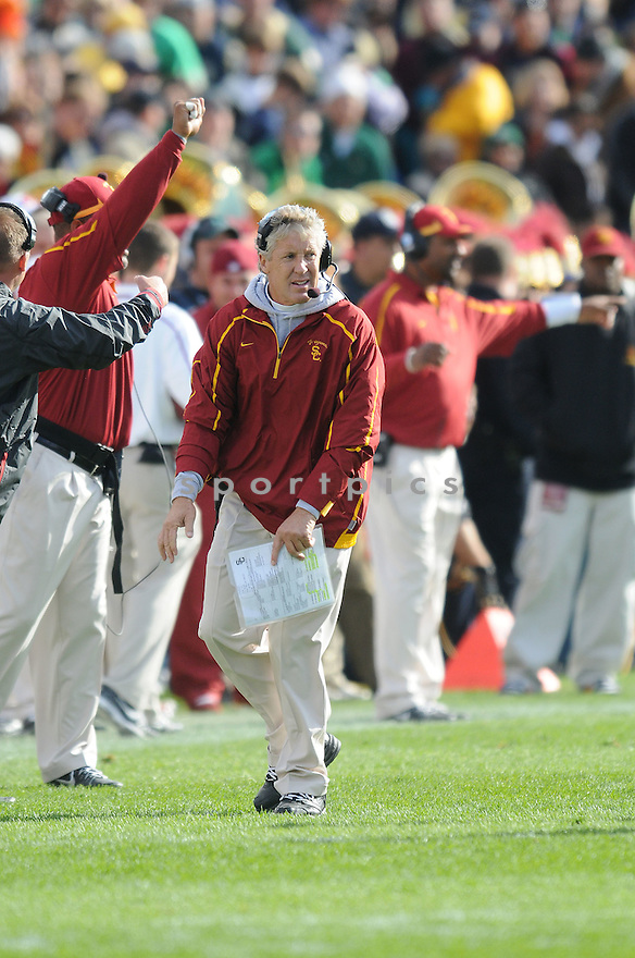 PETE CARROLL, of the USC Trojans, in action during the Trojans game against the Notre Dame Fighting Irish on October 17, 2009 in South Bend, Indiana. The Trojans  beat the irish  34-27 ..