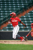 Anyelo Encarnacion (4) grounds out during the Dominican Prospect League Elite Underclass International Series, powered by Baseball Factory, on July 21, 2018 at Schaumburg Boomers Stadium in Schaumburg, Illinois.  (Mike Janes/Four Seam Images)