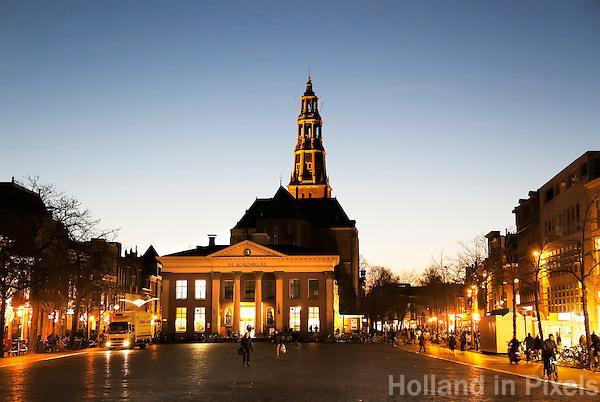 Nederland Groningen 2016. De Korenbeurs van Groningen is een gebouw aan de Vismarkt. Het behoort tot de Top 100 van de Rijksdienst voor de Monumentenzorg. De beurs, met zijn opvallende neoclassicistische gevel, werd tussen 1862 en 1865 gebouwd, als vervanging van twee kleinere beursgebouwen. Foto Berlinda van Dam  / Hollandse Hoogte