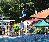 Sieger -12J. Nael beim Arschbombenwettbewerb - Mörfelden-Walldorf 28.06.2019: 6. School's Out for the Summer Party