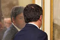 Il Presidente del Consiglio Matteo Renzi al termine della conferenza stampa in occasione dei 1000 giorni del suo governo, a Palazzo Chigi, Roma, 18 novembre 2016.<br /> Italian Premier Matteo Renzi is reflected in a mirror as he leaves at the end of a press conference to mark the 1000 days of his government at Chigi Palace in Rome,<br /> UPDATE IMAGES PRESS/Riccardo De Luca