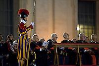 Roma, 7 Settembre, 2013. Cardinali in Piazza San Pietro durante la veglia di preghiera contro l'intervento armato in Siria e contro tutte le guerre