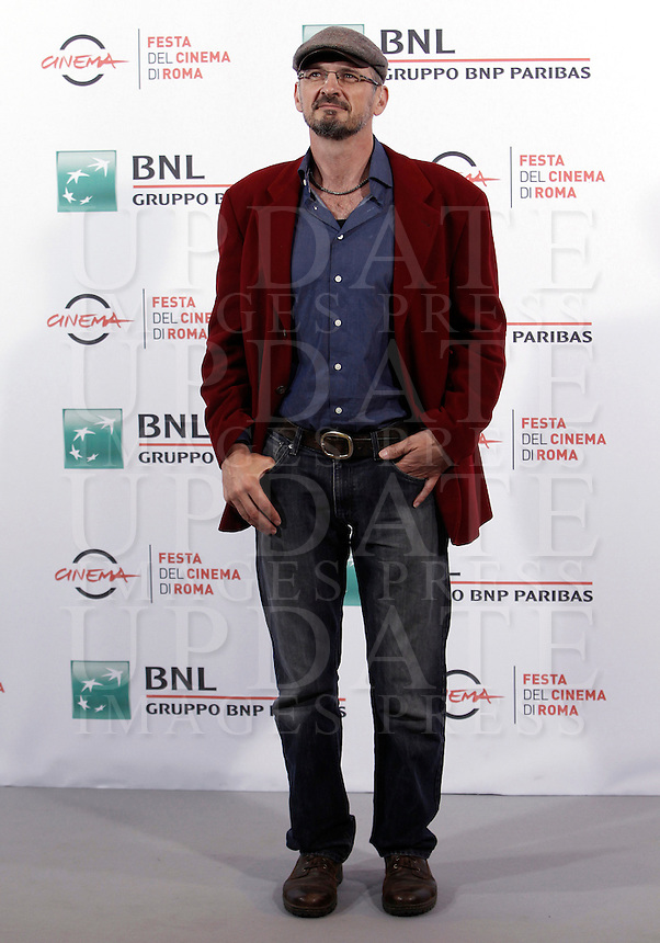 Il regista Andrew Byatt posa durante un photocall per la presentazione del film 'Ouragan, L'Odissee d'un vent (Hurricane)' al Festival Internazionale del Film di Roma, 22 ottobre 2015.<br /> Director Andrew Byatt poses during a photocall to present his movie 'Ouragan, L'Odissee d'un vent' (Hurricane) at the international Rome Film Festival at Rome's Auditorium, 22 October 2015.<br /> UPDATE IMAGES PRESS/Isabella Bonotto