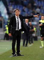Calcio, Serie A: Roma vs Lazio. Roma, stadio Olimpico, 8 novembre 2015.<br /> Roma's coach Rudi Garcia gestures to his players during the Italian Serie A football match between Roma and Lazio at Rome's Olympic stadium, 8 November 2015.<br /> UPDATE IMAGES PRESS/Isabella Bonotto
