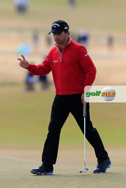 Kevin Kisner (USA) sinks his putt on the 5th green during Friday's Round 2 of the 2015 U.S. Open 115th National Championship held at Chambers Bay, Seattle, Washington, USA. 6/19/2015.<br /> Picture: Golffile | Eoin Clarke<br /> <br /> <br /> <br /> <br /> All photo usage must carry mandatory copyright credit (&copy; Golffile | Eoin Clarke)