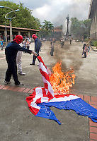 Students of the Antioquia University hold protest against US goverment in Medellin for the arrival of US. President Barack Obama to the Sixth Summit of the Americas in Cartagena, Colombia, 13/04/2012. Photo by Fredy Amariles / viewpress.