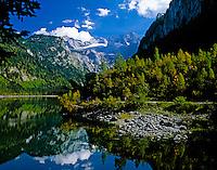 Austria, Upper Austria, Salzkammergut, Gosau: Gosau Lake and Dachstein mountains | Oesterreich, Oberoesterreich, Salzkammergut, Gosau: vorderer Gosausee vorm Dachsteingebirge