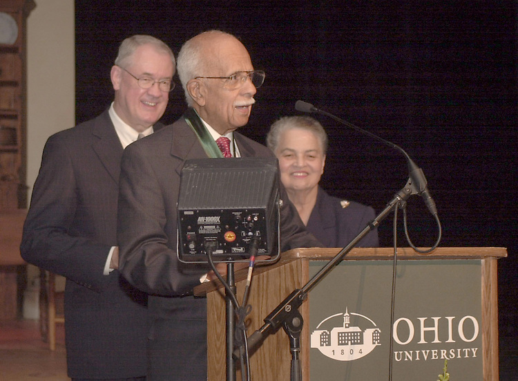 16334Donald Spencer receiving Founders award at Kanter Hall 3/10 : Photos by Kate Schneider