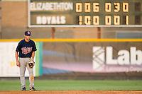 Second baseman Derek McCallum #7 of the Elizabethton Twins on defense versus the Burlington Royals at Burlington Athletic Park July 19, 2009 in Burlington, North Carolina. (Photo by Brian Westerholt / Four Seam Images)