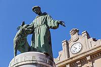 Espagne, Navarre, Pampelune: Plaza San Francisco , statue de Saint François d'Assise du sculpteur Argaya. //  Spain, Navarre, Pamplona: Plaza San Francisco, St. Francis of Assisi statue
