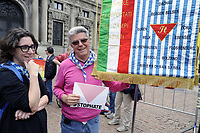 - Milano, maggio 2018, manifestazione #stophate, organizzata dall'associazione &quot;I Sentinelli&quot; contro le minacce e la violenza verbale fascista ed omofobica  in rete e sui social network<br />