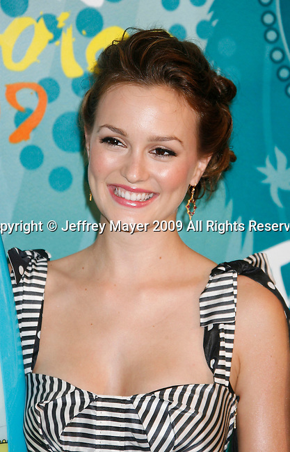 UNIVERSAL CITY, CA. - August 09: Actress Leighton Meester poses in the press room during the Teen Choice Awards 2009 held at the Gibson Amphitheatre on August 9, 2009 in Universal City, California.