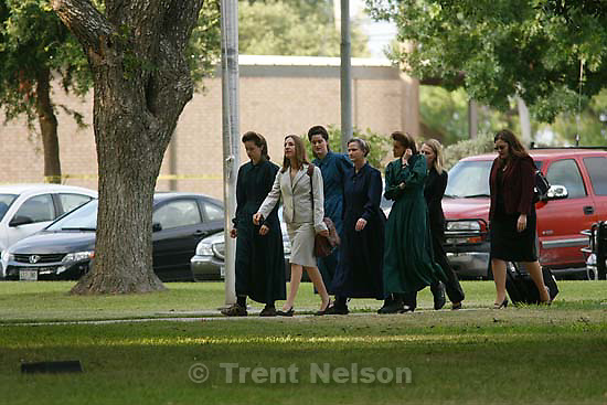 Eldorado - at the Schleicher County Courthouse Wednesday, June 25, 2008, where a grand jury met to hear evidence of possible crimes involving FLDS church members from the YFZ ranch..; 6.25.2008.