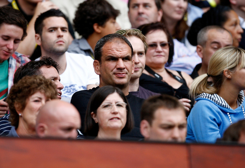 Photo: Richard Lane/Richard Lane Photography. London Wasps v Harlequins. Aviva Premiership. 04/09/2010. England manager, Martin Johnson watches on.