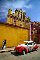 San Cristobal, Mexico, October 2005. San Cristobal de las Casas is one of the regions where Indian culture mixes with Spanish colonial culture.  Mexico is a colorful country with remnants of many ancient civilisations, mixed cultures, and two oceans. Photo by Frits Meyst/Adventure4ever.com