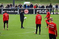 Trainer Niko Kovac (Eintracht Frankfurt) gibt Anweisungen - 10.10.2017: Eintracht Frankfurt Training, Commerzbank Arena