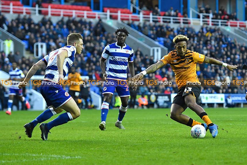 Malik Wilks of Hull City right scores to make the score 1-1  during Reading vs Hull City, Sky Bet EFL Championship Football at the Madejski Stadium on 8th February 2020
