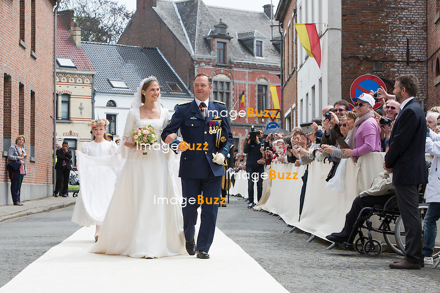 Princesse Alix de Ligne &amp; son papa Michel de Ligne - Mariage de la Princesse Alix de Ligne et Guillaume de Dampierre, en l'&eacute;glise Saint-Pierre &agrave; Beloeil, en Belgique.<br /> Belgique, Beloeil, 18 juin 2016<br /> Princess Alix de Ligne &amp; her father Michel de Ligne - Wedding of Princess Alix de Ligne and Guillaume de Dampierre, in Beloeil, Belgium.<br /> Belgium, Beloeil, 18 June 2016