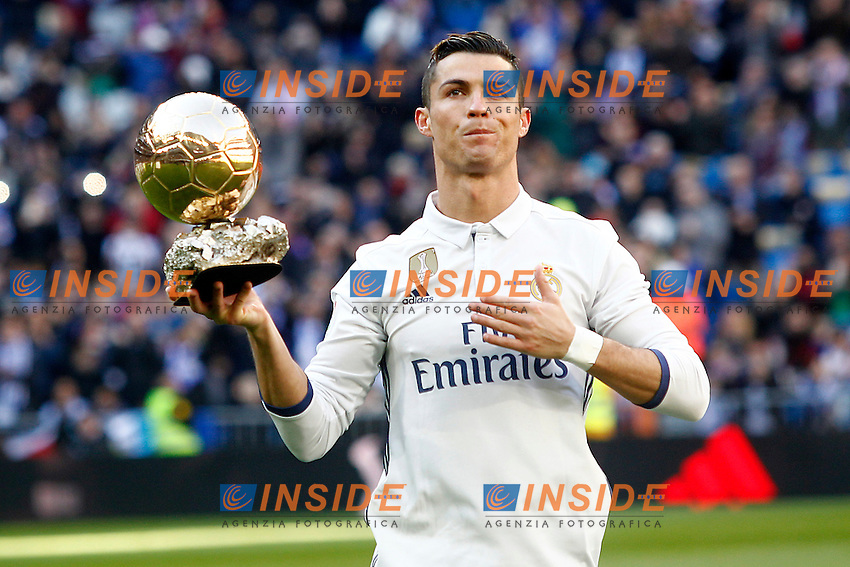 Real Madrid's Cristiano Ronaldo golden ball 2016 during La Liga match. January 7,2016. Madrid 07-01-2017 Stadio Santiago Bernabeu <br /> Real Madrid - Granada La Liga <br /> Foto Acero/Alterphotos/Insidefoto