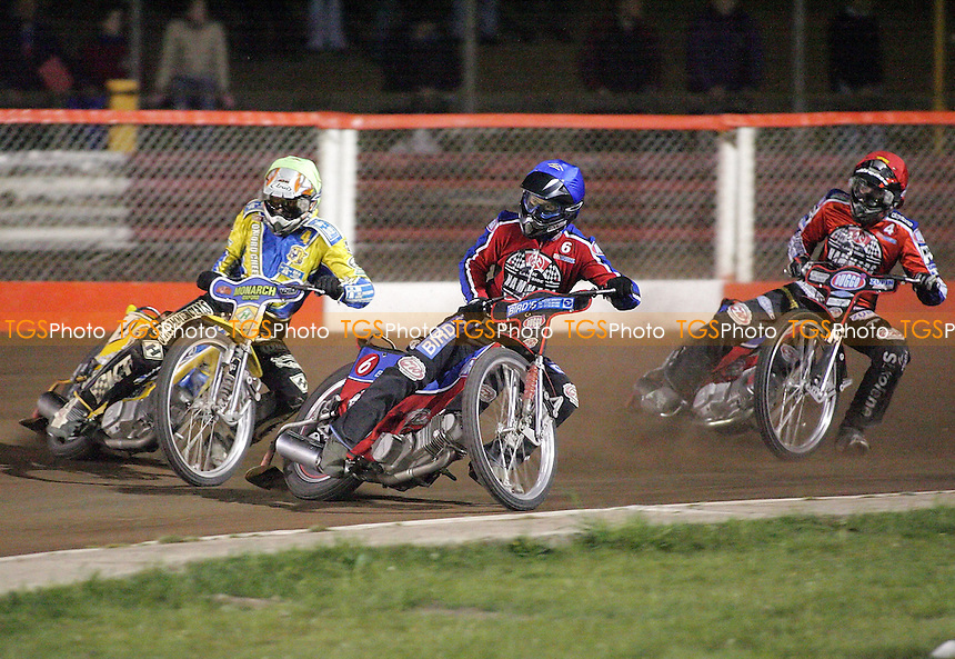 Heat 14 - Lanham (blue), Johnston (green), Hefenbrock - Lakeside Hammers vs Oxford Cheetahs - Sky Sports Elite League at Arena Essex, Purfleet - 28/04/07- MANDATORY CREDIT: Gavin Ellis/TGSPHOTO - IMAGES USED WILL BE INVOICED AT STANDARD RATES..