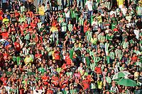 MEDELLÍN- COLOMBIA, 8-04-2018:Hinchas del Nacional y Medellín.Acción de juego entre los equipos Atlético Nacional y el Deportivo Indepediente Medellin durante partido por la fecha 13 de la Liga Águila I 2018 jugado en el estadio Atanasio Girardot de la ciudad de Medellín. / Fans of Nacional and Medellin.Action game between Atletico Nacional and Deportivo Independiente Medellin  during the match for the date 13 of the Liga Aguila I 2018 played at the Atanasio Girardot Stadium in Medellin city. Photo: VizzorImage / León Monsalve / Contribuidor