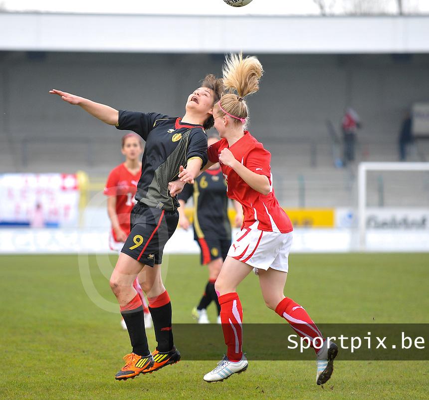 UEFA Women's Under 17 Championship - Second Qualifying round - group 1 : Switzerland - Belgium  : .kopduel tussen Lotte Aertsen en Pauline Vienne.foto DAVID CATRY / Vrouwenteam.be