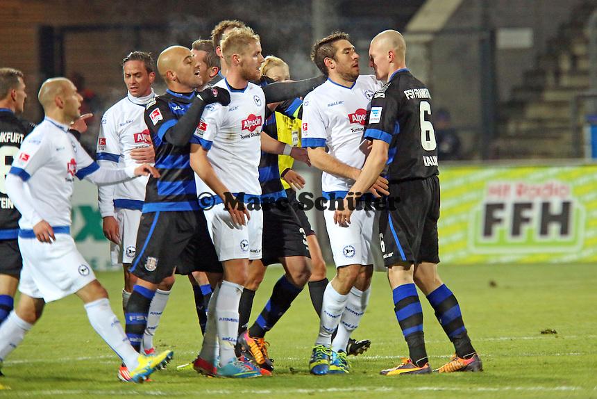 Rangelei zwischen beiden Teams - FSV Frankfurt vs. Arminia Bielefeld, Frankfurter Volksbank Stadion