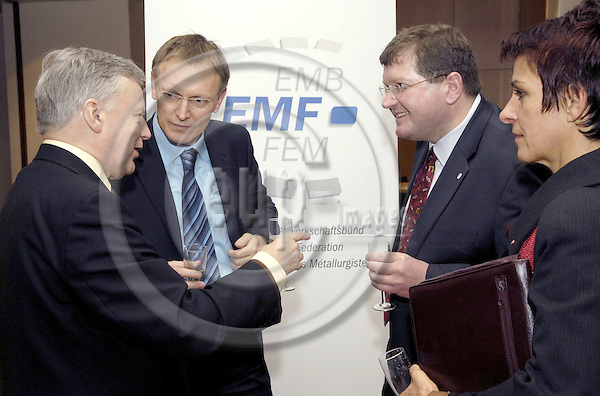 Brussels-Belgium - 24 January 2008---New Year's Reception by EMF (European Metalworkers' Federation; Europaeischer Metallgewerkschaftsbund, EMB; here, John MONKS (le), ETUC General Secretary; Janez POTOCNIK (2.le)(Poto?nik), European Commissioner for Science and Research; Peter SCHERRER (2.ri), EMF General Secretary; Lidija JERKIC (ri)(Jerki?), President of SKEI - Trade Union of Metal and Electrical Workers of Slovenia---Photo: Horst Wagner / eup-images