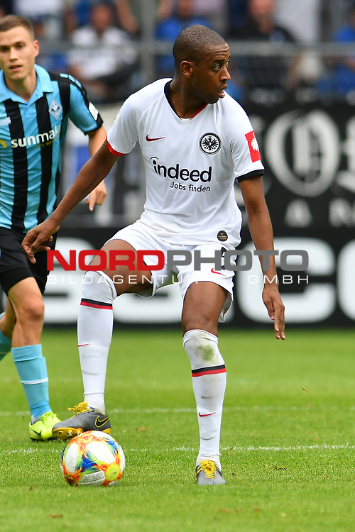 11.08.2019, Carl-Benz-Stadion, Mannheim, GER, DFB Pokal, 1. Runde, SV Waldhof Mannheim vs. Eintracht Frankfurt, <br /> <br /> DFL REGULATIONS PROHIBIT ANY USE OF PHOTOGRAPHS AS IMAGE SEQUENCES AND/OR QUASI-VIDEO.<br /> <br /> im Bild: Gelson Fernandes (Eintracht Frankfurt #5)<br /> <br /> Foto © nordphoto / Fabisch