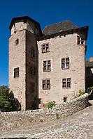 Europe/France/Midi-Pyrénées/12/Aveyron/Conques: Château d'Humières, du XVIème siècle avec des consoles sculptées, et une haute tour d'escalier. sur le Chemin de Saint-Jacques-de-Compostelle