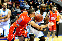 GRONINGEN - Basketbal, Donar New Heroes Den Bosch, kwartfinale NBB beker, seizoen 2018-2019, 14-01-2019, Donar speler LaRon Dendy met Den Bosch speler Roel Aarts