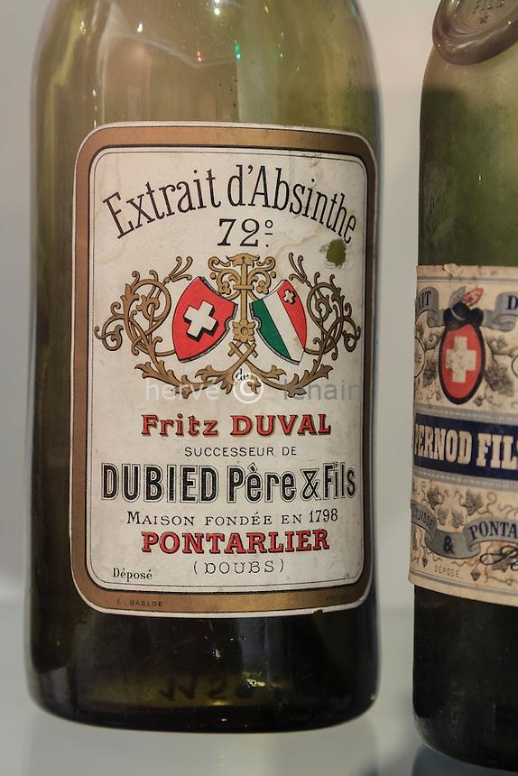 France, Franche-Comté (25), Pontarlier, musée de Pontarlier, ancienne étiquette de bouteille d'absinthe // France, Franche Comte, Pontarlier, Museum of Pontarlier, old label of bottle of absinthe