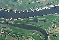 Hochwasserschutz: EUROPA, DEUTSCHLAND, HAMBURG, NEUWERK 03.05.2007:Elbe, zwischen dem Deich, Fluss, Bune, Ueberflutung, Flaeche, alter Flusslauf, Inseln im Fluss, Luftbild, Luftansicht