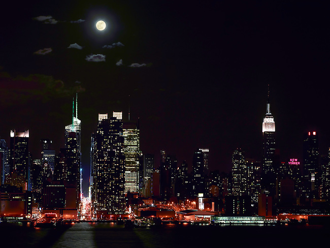 Full Moon over Manhattan as seen from Weehawken, NJ