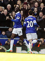 Pictured L-R: Lacina Traore of Everton opening goal with team mate Ross Barkley. Sunday 16 February 2014<br />