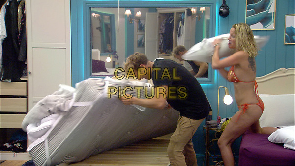 Celebrity Big Brother 2017<br /> Sarah Harding and Sam Thompson.<br /> *Editorial Use Only*<br /> CAP/KFS<br /> Image supplied by Capital Pictures