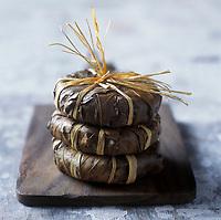 Gastronomie Générale: AOC  Banon, fromage de chèvre au lait cru - Stylisme : Valérie LHOMME