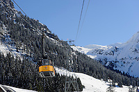 Seilbahn auf das Nebelhorn bei  Oberstdorf im Allgäu, Bayern, Deutschland<br /> cable car onto Mt.Nebelhorn near Oberstdorf, Allgäu, Bavaria, Germany
