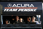 IMSA WeatherTech SportsCar Championship<br /> The Roar Before the Rolex 24<br /> Daytona International Speedway<br /> Daytona Beach, FL USA<br /> Sunday 7 January 2018<br /> #6 Acura Team Penske Acura DPi, P: Roger Penske and engineers World Copyright: Michael L. Levitt<br /> LAT Images