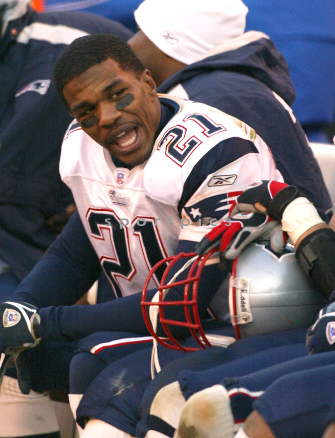 Randall Gay during the New England Patriots v. Cleveland Browns game on December 5, 2005. ..Patriots win 42-15..Kevin Tanaka / SportPics