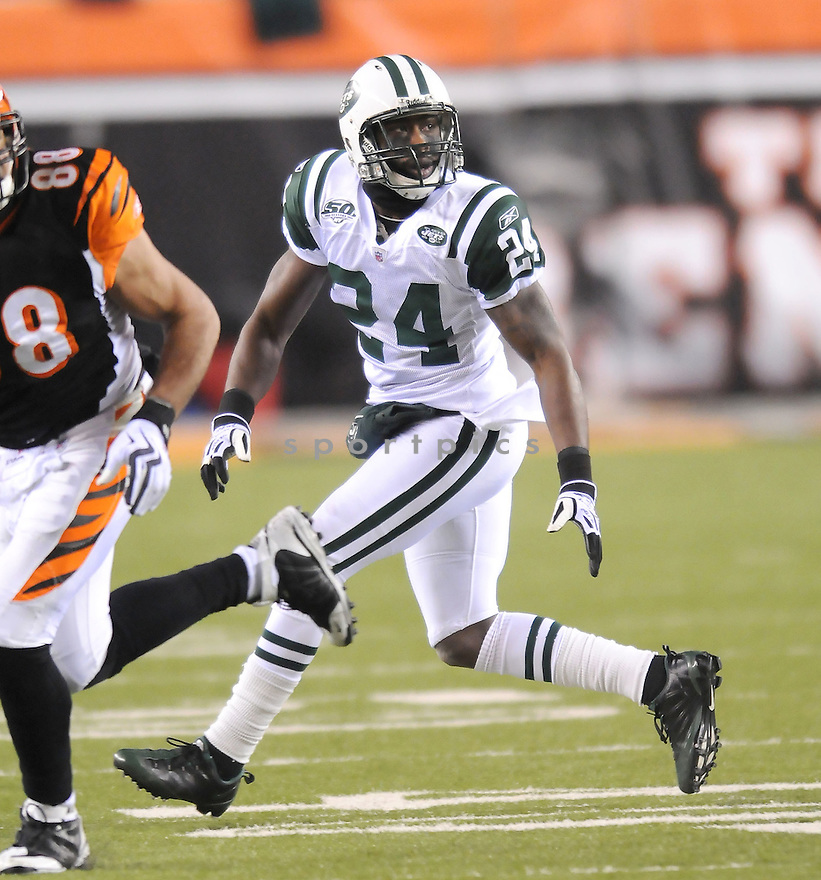 DARRELLE REVIS, of the New York Jets, in action during the Jets game against the CIncinnati Bengals on January 9, 2010 in Cincinnati, OH. Jets won 24-14.