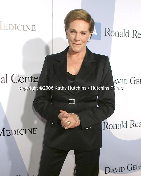 .Milleinnum Ball.UCLA Medical Center.Westwood, CA.October 5, 2006.©2006 Kathy Hutchins / Hutchins Photo....                 Julie Andrews.Milleinnum Ball.UCLA Medical Center.Westwood, CA.October 5, 2006.©2006 Kathy Hutchins / Hutchins Photo....