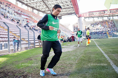 "Yuto Nagatomo (Inter), APRIL 14, 2013 - Football / Soccer : Yuto Nagatomo of Inter warms up during the Italian ""Serie A"" match between Cagliari 2-0 Inter Milan at Stadio Nereo Rocco in Trieste, Italy. (Photo by Enrico Calderoni/AFLO SPORT)"