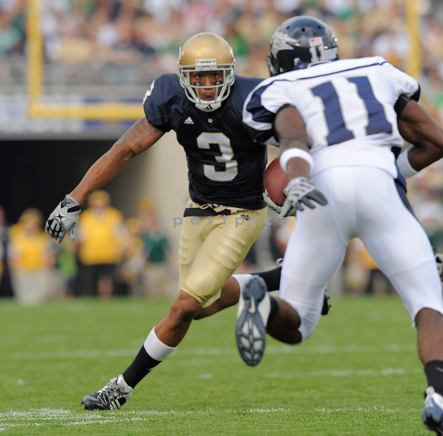 MICHAEL FLOYD, of the University of Notre Dame Irish , in action during the Irish game against the University of Nevada Wolf Pack in South Bend, IN, on September 05, 2009.  Notre Dame  wins 35-0.