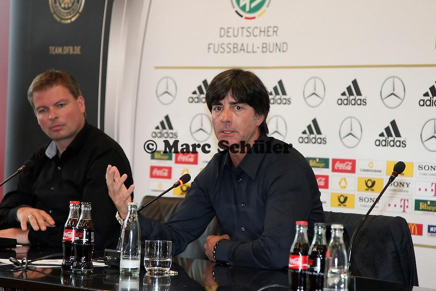 Pressesprecher Nationalmannschaft Jens Grittner, Bundestrainer Joachim Loew (D)