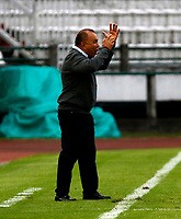 MANIZALES-COLOMBIA, 19-10-2019: Jorge Luis Bernal, técnico de Atlético Huila, durante partido de la fecha 18 entre Once Caldas y Atlético Huila, por la Liga de Águila II 2019 en el estadio Palogrande en la ciudad de Manizales. / Jorge Luis Bernal, coach of Atletico Huila,  during a match of the 18th date between Once Caldas and Atletico Huila, for the Aguila Leguaje II 2019 at the Palogrande stadium in Manizales city. Photo: VizzorImage  / Santiago Osorio / Cont.